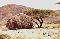 Traditional 'Banda' hut made of reeds.